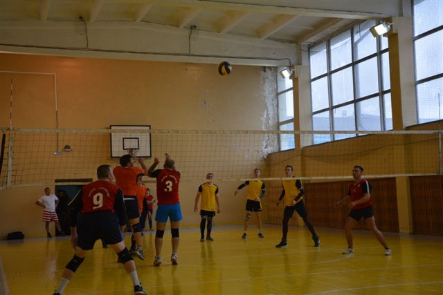 Турнир по волейболу памяти машиниста локомотивного депо Абакан Владимира Гологрудова 26 октября 2019